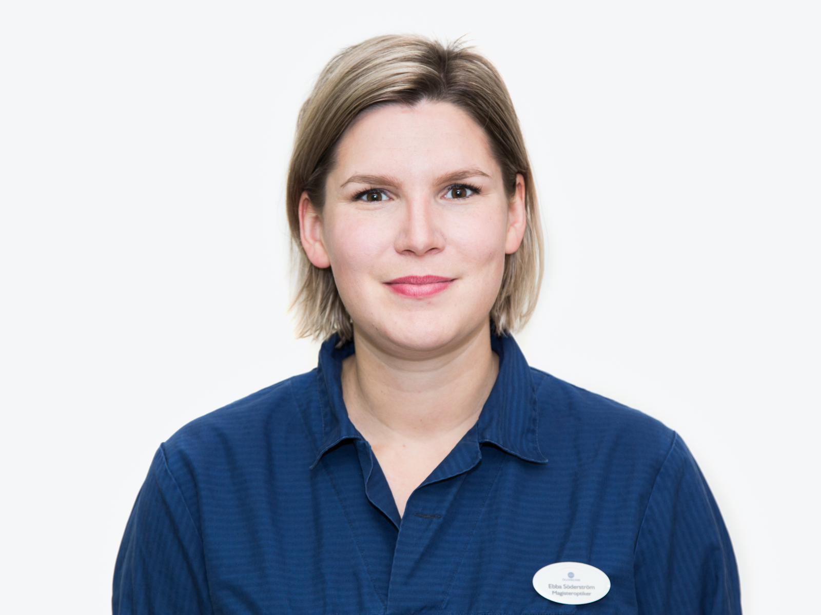 Ebba (Leg optiker med magisterexamen i klinisk optometri.)
